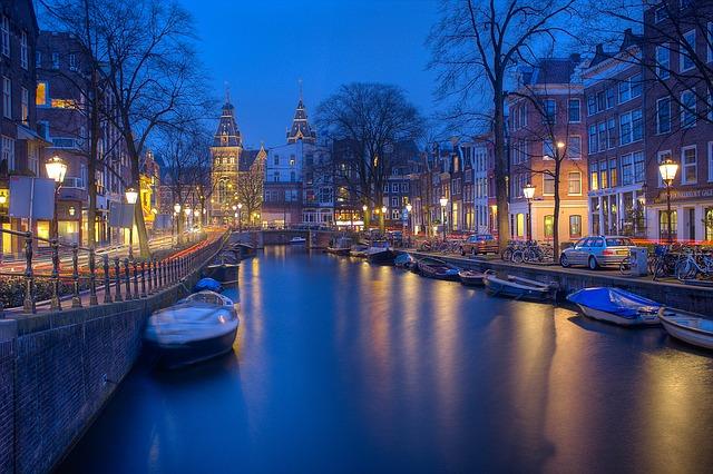 Tutto sui quartieri a luci rosse di Amsterdam