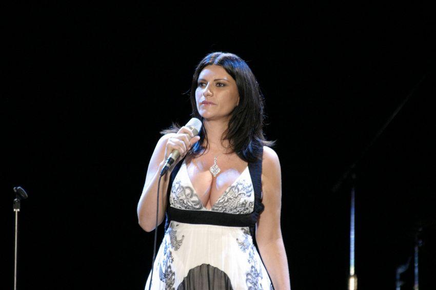 Vita e successi di Laura Pausini