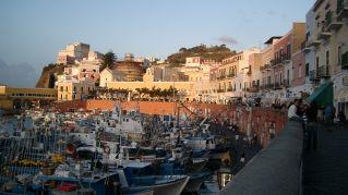Come arrivare a Ponza: mezzi e itinerari