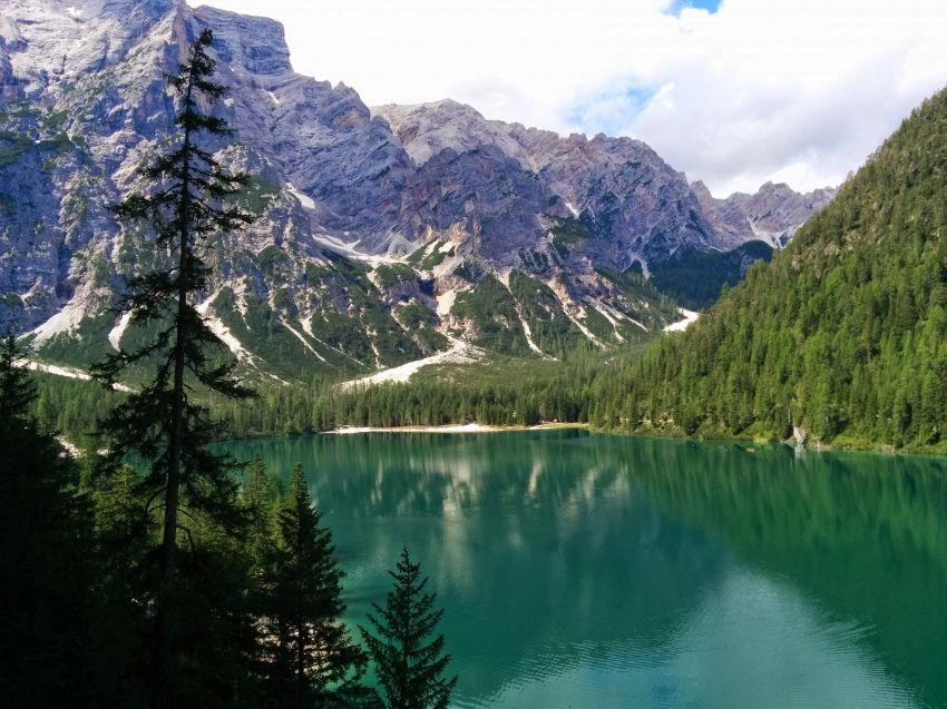 Come arrivare e dove soggiornare al meglio al Lago di Braies