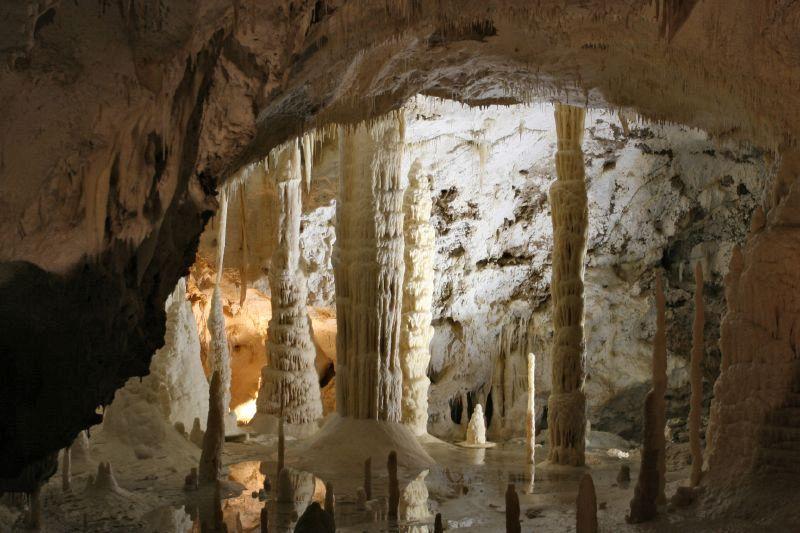 Grotte di Castellana, Puglia: fantastiche rocce bianche sotterranee