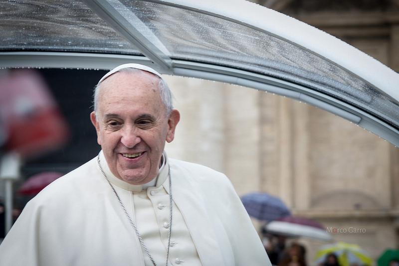 Papa Francesco sorprende ancora e diventa attore di se stesso