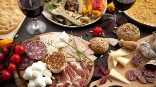 L'aperitivo più cool? Alla ricerca dei locali più gettonati in Italia