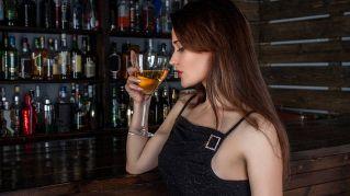 Bere un bicchiere di vino al giorno fa bene alla salute