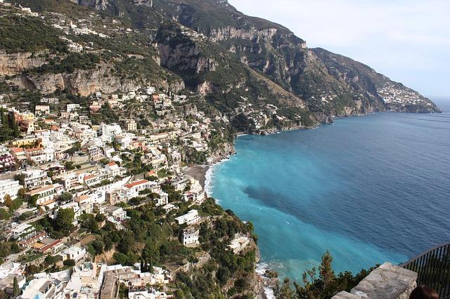 Costiera Amalfitana: le spiagge, gli hotel e le attrazioni