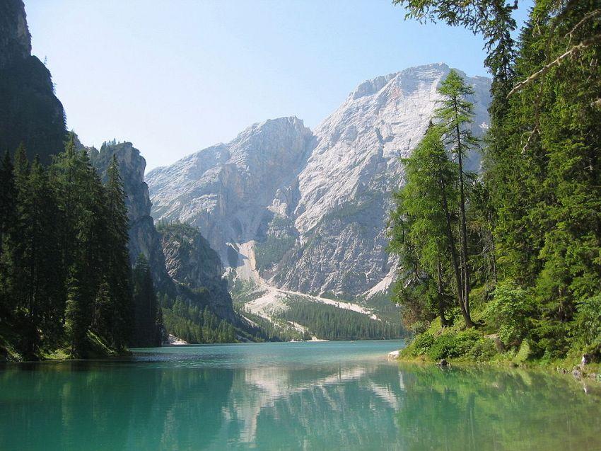 Lago di Braies: un mare di escursioni a contatto con la natura