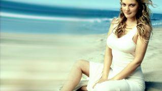 Drew Barrymore: la beauty routine e la sua carriera