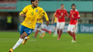 Luiz Adriano, carriera dell'attaccante brasiliano del Milan