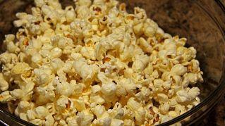 Popcorn al gusto pizza: come prepararli