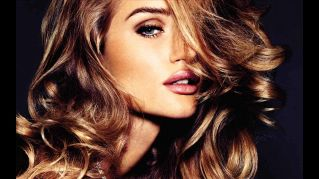 Rosie Huntington-Whiteley, angelo biondo di Victoria's Secret