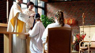 Frasi per Cresima, scoprire i 7 doni dello Spirito Santo
