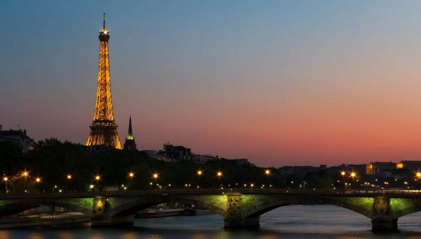 Nel 2024 a Parigi si potrà finalmente fare il bagno nella Senna