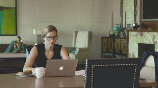 Telelavoro e smartworking: lavorare da casa rende felici?