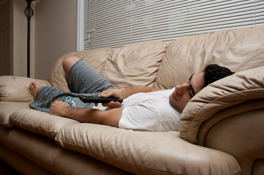 Perché guardare troppa tv brucia il cervello