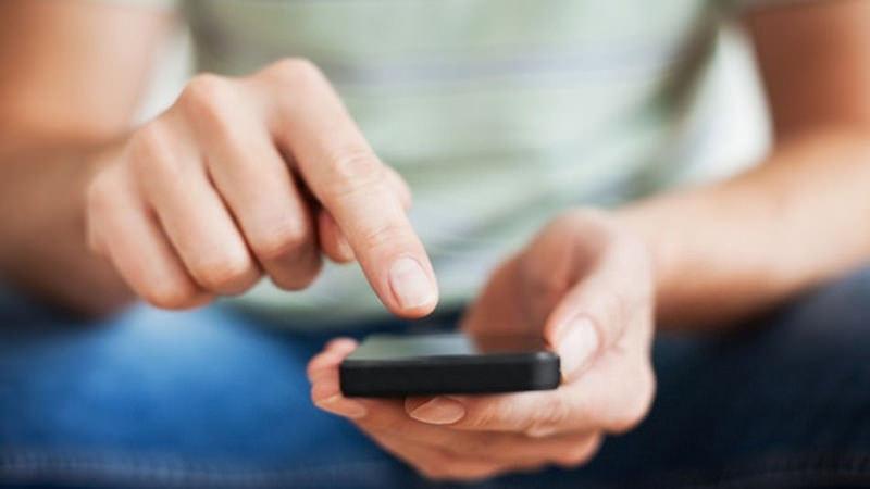 Lo psicologo nel telefonino, le sedute si faranno via sms