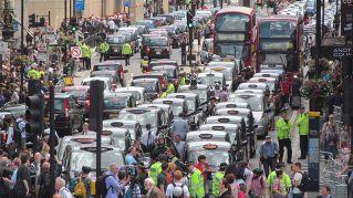 In Gran Bretagna Uber consegnerà anche i pacchi a domicilio