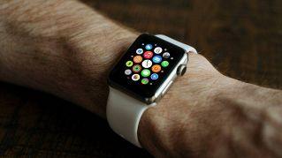 L'Apple Watch che telefona da solo sarà presto realtà