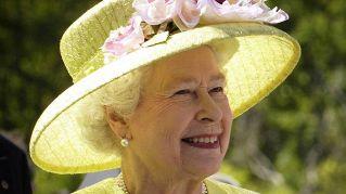 Ecco perché la regina Elisabetta festeggia due compleanni