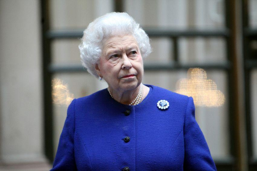 Tutti gli incredibili e strambi privilegi della Regina Elisabetta