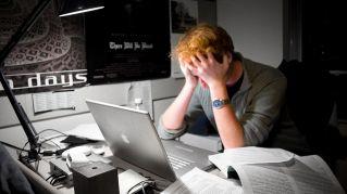 Navigare in Internet, le 10 seccature che stressano di più