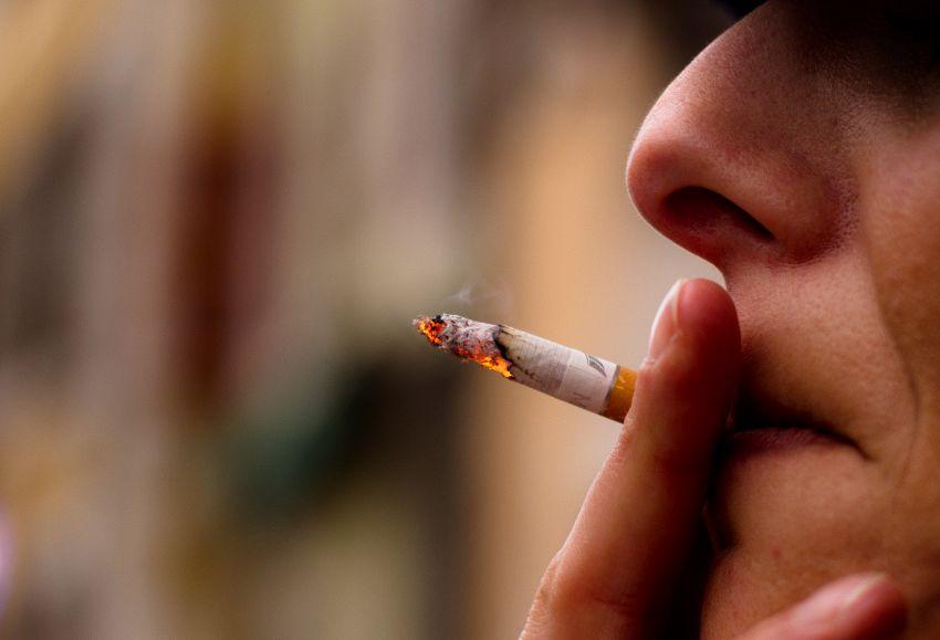 E' vero che fumare blocca lo sviluppo? Adolescenti a rischio