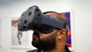 Guinness dei Primati, trascorre 25 ore di fila nella realtà virtuale