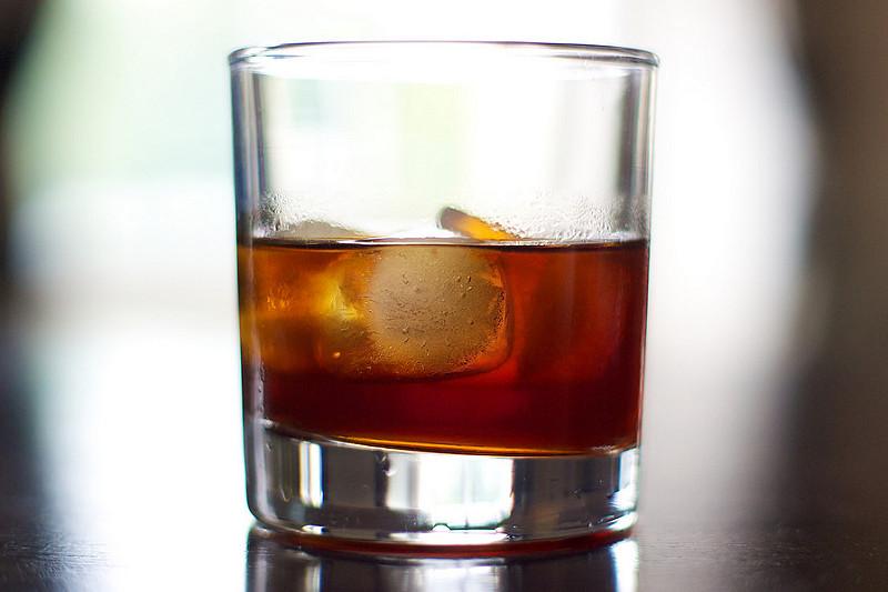Troppo ghiaccio nel bicchiere: cliente fa causa a Starbucks