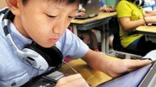 Chi in classe usa lo smartphone, agli esami prende brutti voti