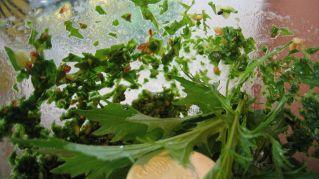 Pesto di prezzemolo: ingredienti e preparazione della ricetta