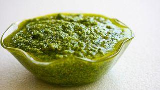 Pesto rucola e mandorle: ingredienti e preparazione della ricetta