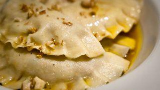 Pesto di melanzane e noci: ingredienti e ricetta Siciliana
