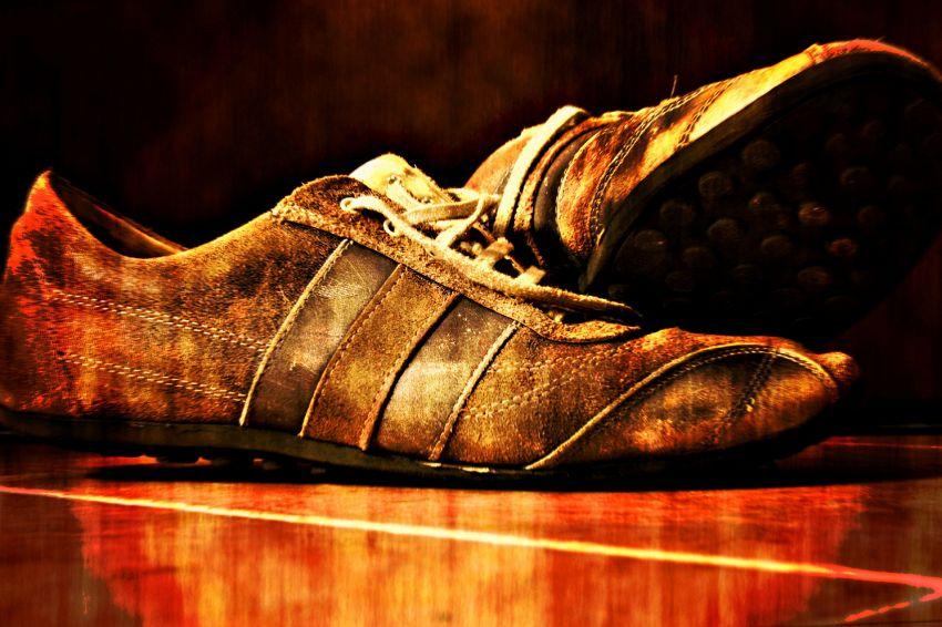 Il gps nella scarpa, la nuova invenzione di easyJet per turisti
