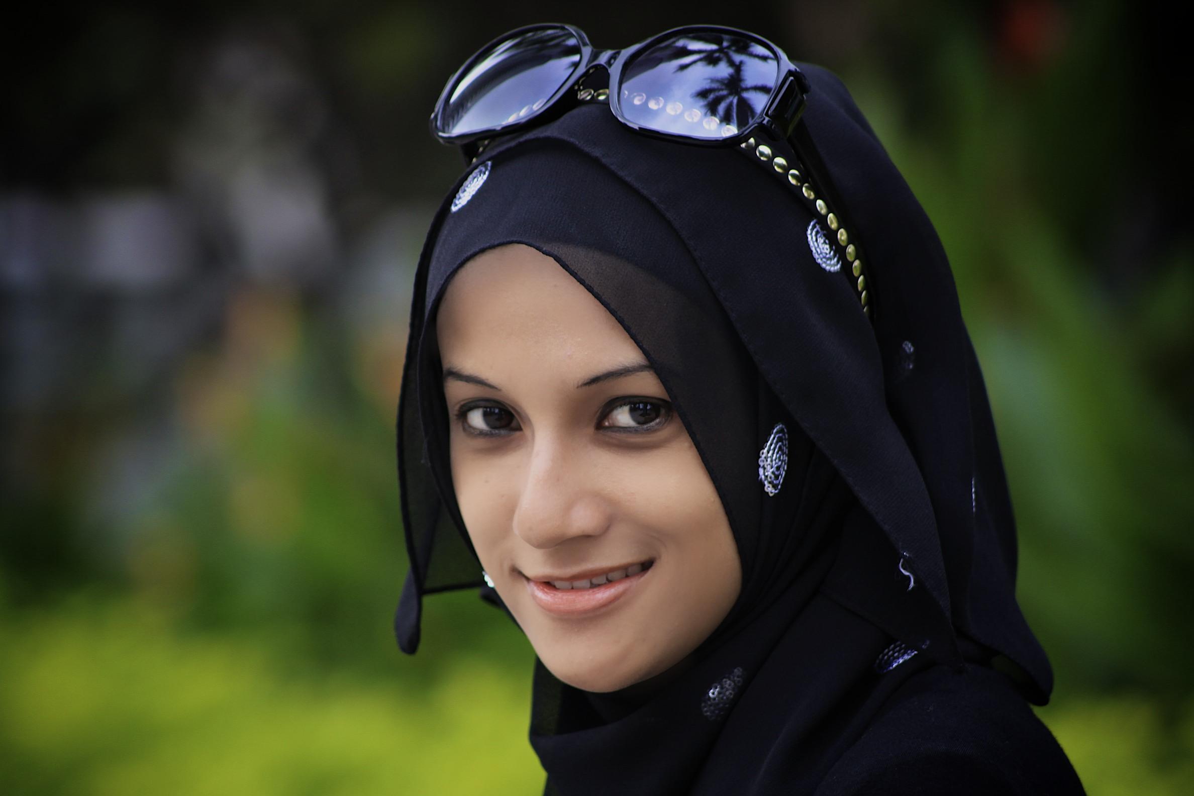Beautiful muslim girls photo