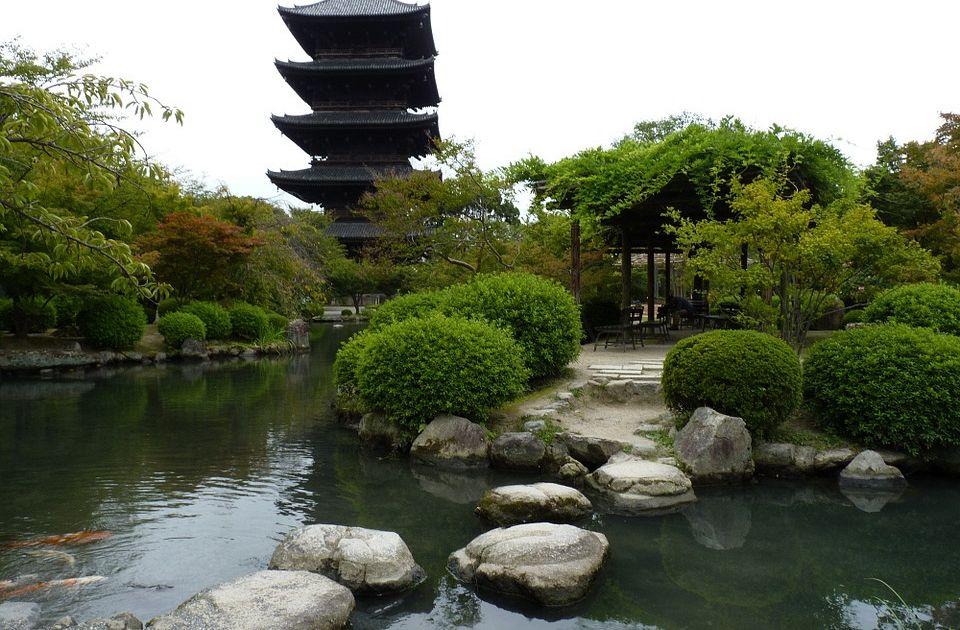Giardino zen e yin yang significato del bianco e nero - Giardino zen in miniatura ...