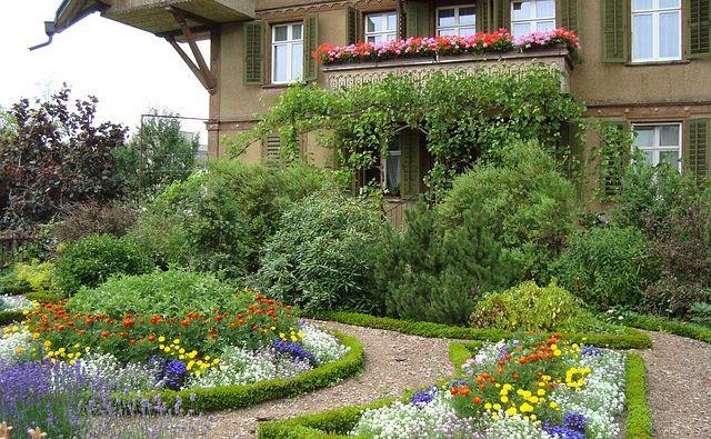 Idee per realizzare un giardino e gli addobbi fai da te supereva - Idee giardino in pendenza ...