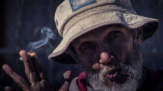 L'Australia dichiara guerra alle sigarette con misure drastiche