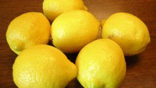 Come fare il burro di limone ed erbe aromatiche in casa