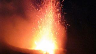 Che differenza c'è tra magma e lava in geografia astronomica