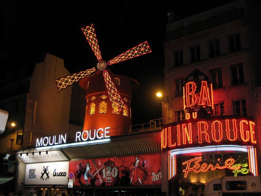 Moulin Rouge, le follie del famoso locale di Montmartre a Parigi
