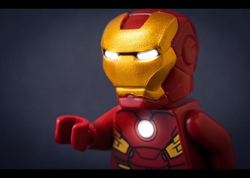 Elon Musk studia gli Iron Man volanti del futuro per la Casa Bianca