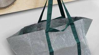 Addio alle borse blu di Ikea, il nuovo modello è bianco e verde