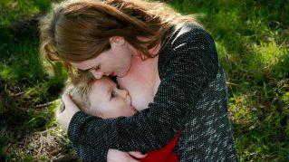 Allattare al seno aiuta i bambini prematuri, lo dice la scienza