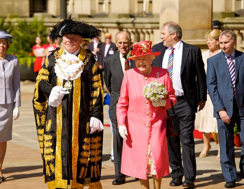 Le collane della regina Elisabetta e le loro incredibili storie