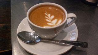 Cosa c'è in una tazzina di caffé? Perché la caffeina fa bene