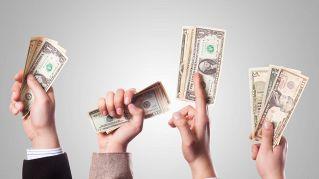 A chi chiedereste di prestarvi dei soldi, a un uomo o a una donna?