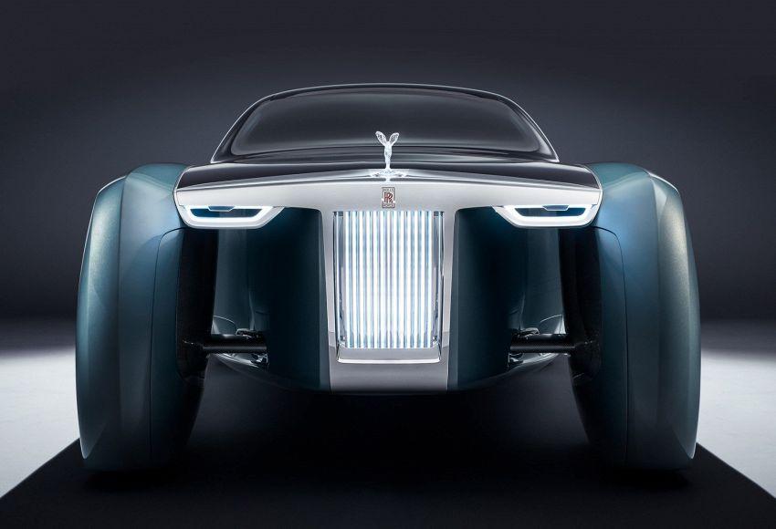 Anche Rolls Royce pensa all'auto che si guida da sola, con classe