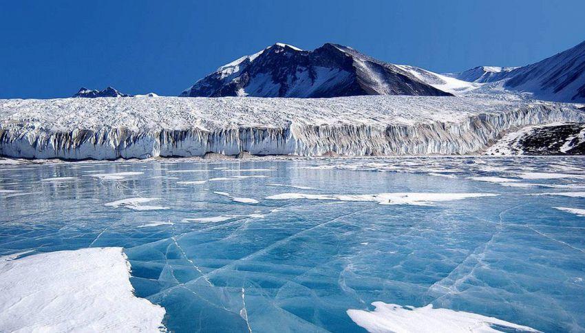 Einaudi e l'ambiente, concerto di pianoforte tra i ghiacci dell'Artico