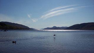Nuova foto del mostro di Loch Ness, per 3 metri fuori dall'acqua