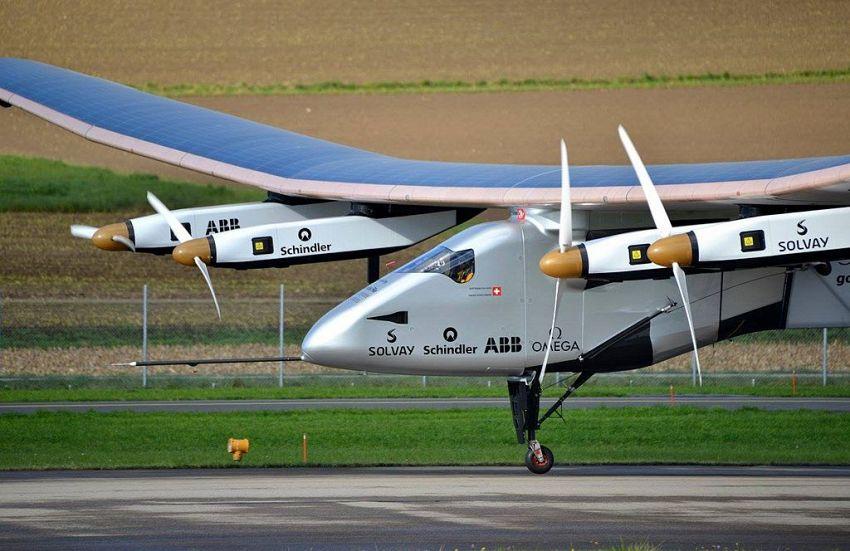 Solar Impulse 2 vola sull'Atlantico con la sola energia solare