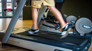 Correre sul tapis roulant allena il fisico e la mente